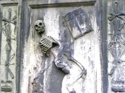 Skeleton on tomb