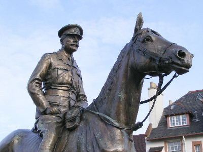 Statue of Earl Haig on horseback outside Edinburgh Castle