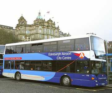 82 airport bus Edinburgh